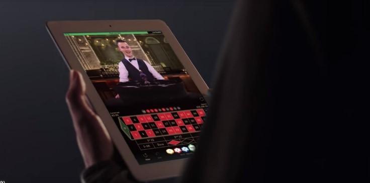 salle de jeu en direct sur tablette